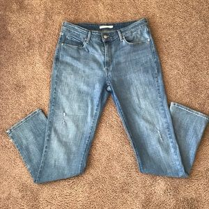 Women's Levi's mid rise skinny size 14